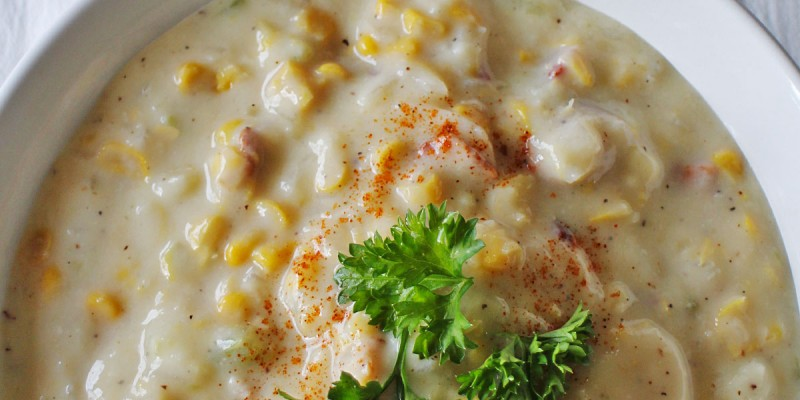 In 30 minutes, have a tasty comfort food corn chowder ready for your family to enjoy! /// by Atkinson Drive