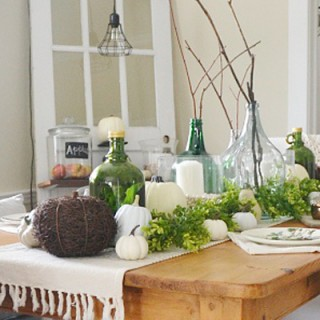 A few easy ways to gently ease your home decor into Fall by Atkinson Drive /// Transitional Fall Decor /// Early Fall Home